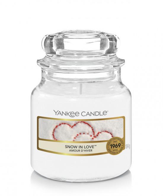 Aromatická svíčka, Yankee Candle Snow in Love, hoření až 30 hod
