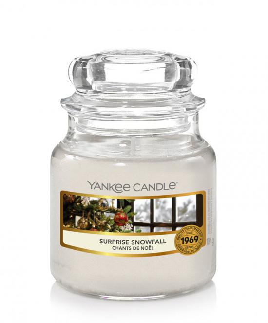 Aromatická svíčka, Yankee Candle Surprise Snowfall, hoření až 30 hod-4954