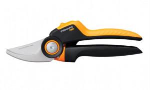 Dvousečné nůžky Fiskars X-SERIES M, ocelové
