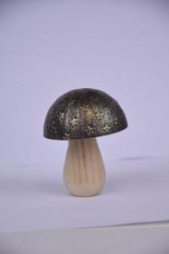Houba, dřevo a kov, dekor hvězdy, průměr 6cm, výška 8cm, přírodní a černá